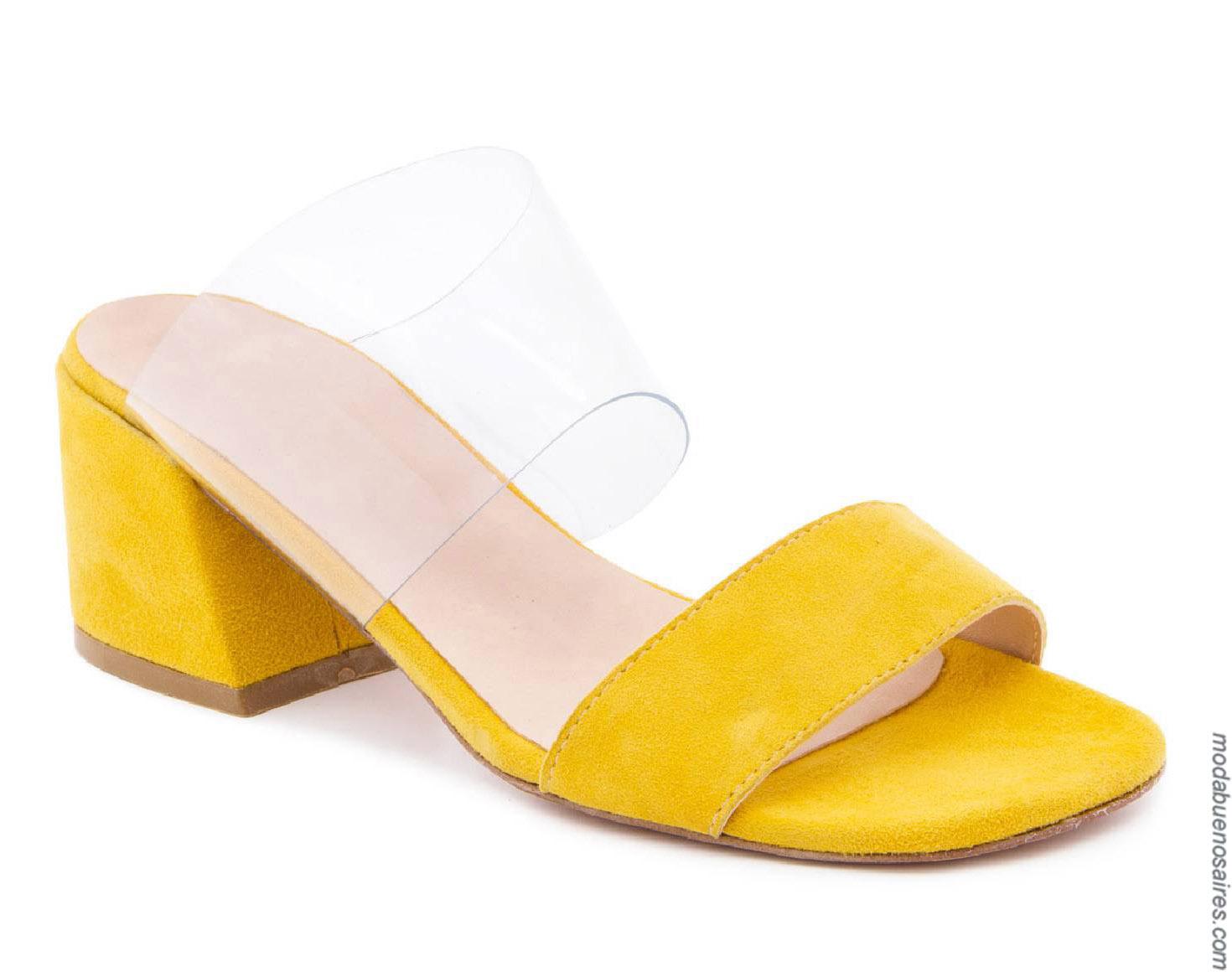 Sandalias primavera verano 2020 de colores para muejr. Moda calzado femenino primavera verano 2020.