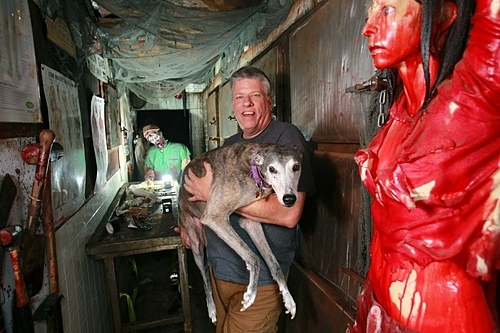 The haunted house rewards 20,000 USD for those who stay at the end