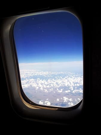 airplane windows are round