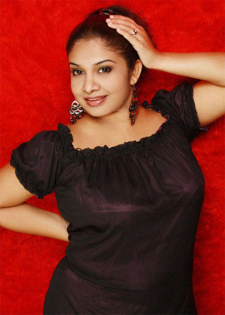 EK: Sri Lankan Super Model Tharushis Stunning Outfits