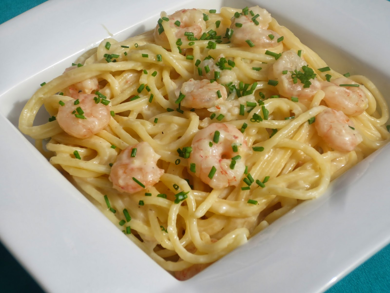 espaguetis con puerro y gambas