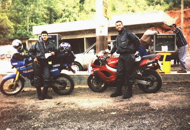 sul%2B1999 - O que faz uma YZF-R1 na minha garagem?