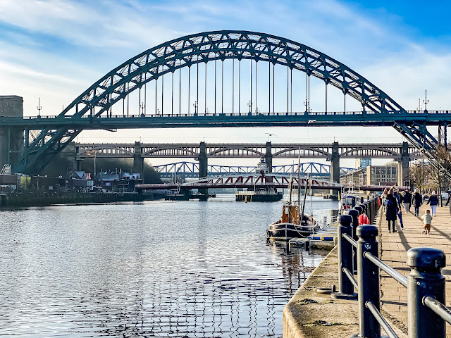 Newcastle quayside in the sunshine, how to get the most out of your lockdown walks, mandy charlton, newcastle photographer