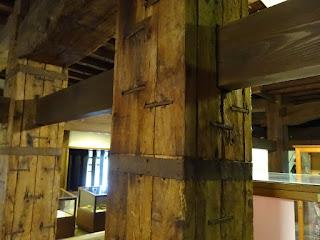 松江城の天守内の柱