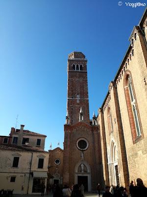 Campanile e facciata laterale della Basilica nel sestiere di San Polo