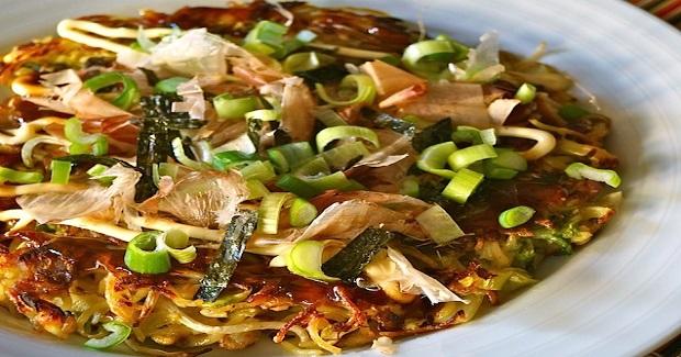 Yakisoba Omelet (Okonomiyaki) Recipe