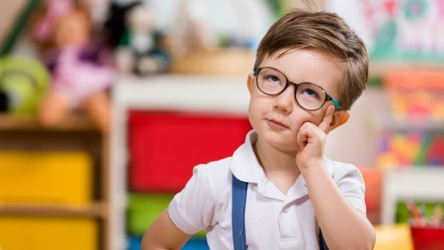 دورة مجانية بعنوان أسئلة الأطفال الشائعة والرد عليها