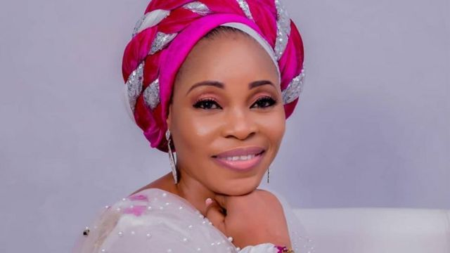 This is jealousy and she is too Proud – Fans slams Tope Alabi for condemning song, 'Oniduro mi' (Video)