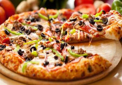 طريقة بيتزا سوبريم لحمة أو باللحمة المفرومة