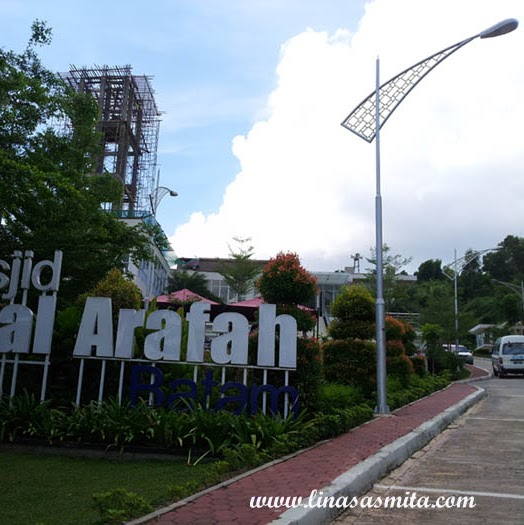 Wisata Religi ke Masjid Jabal Arafah Nagoya Batam