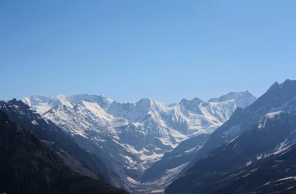 Хребет Пир-Панджал в Гималайских горах