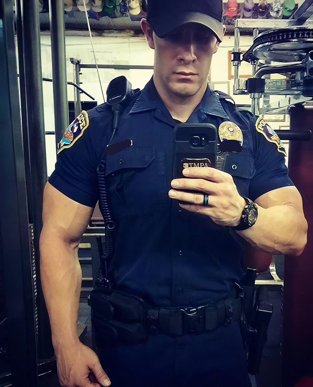 strong-muscular-straight-masculine-alpha-male-policeman-uniform-big-biceps-gym-selfie