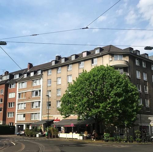 2 Widos op Jück in Düsseldorf ~ frühstücken im Beethoven in Flingern