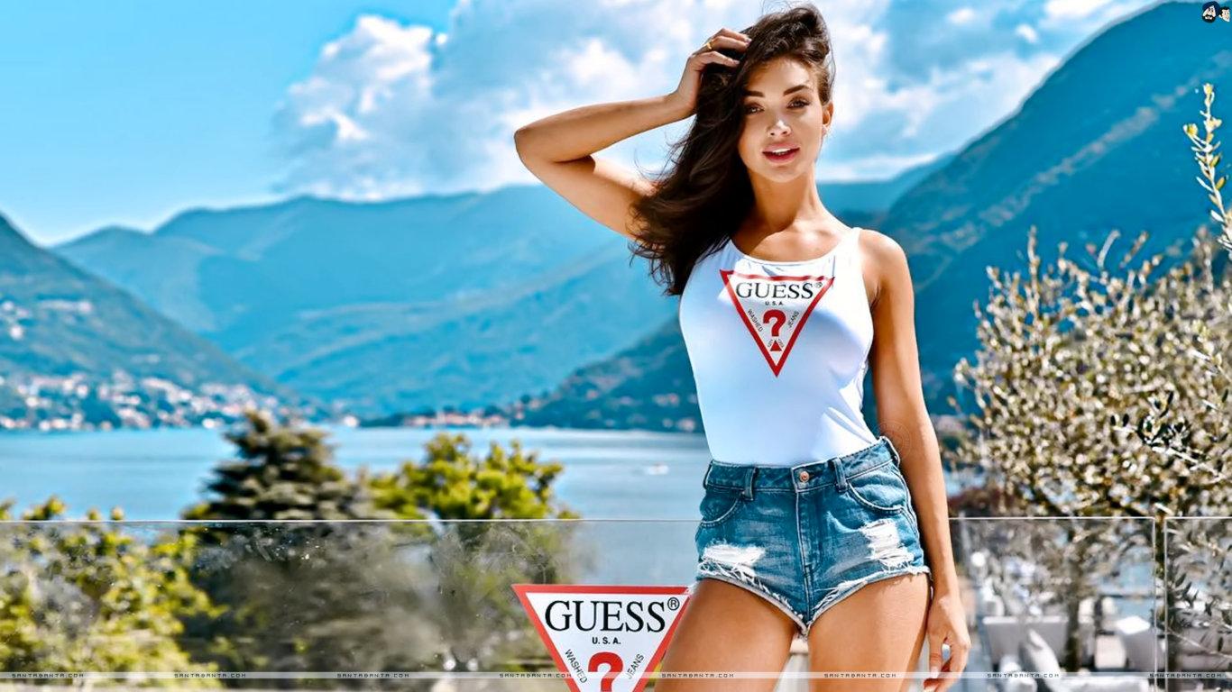 Amy Jackson Hot Fashion HD Wallpaper