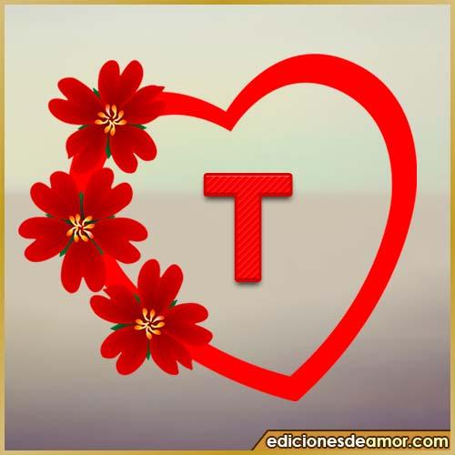 corazón de flores con letra T