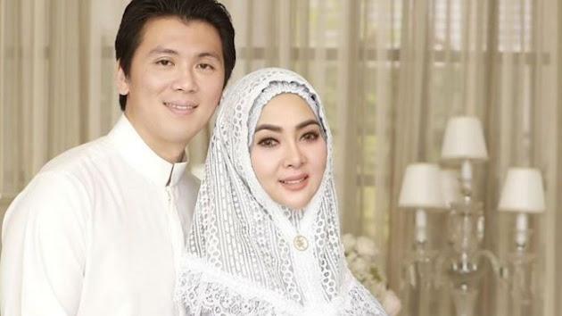 Rayakan Ulang Tahun Bersama Suami Tercinta, Syahrini Kepergok Kenakan Tas Rotan Seharga Lebih dari Satu Miliar!