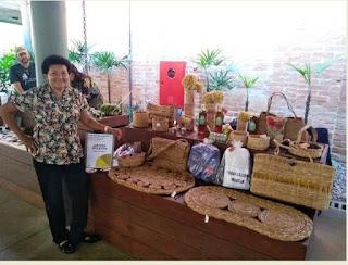 Artesã Edileuza mostrou a arte da Ilha no Mosaico de Saberes-Modos de Viver Sustentável, no SESC Registro-SP