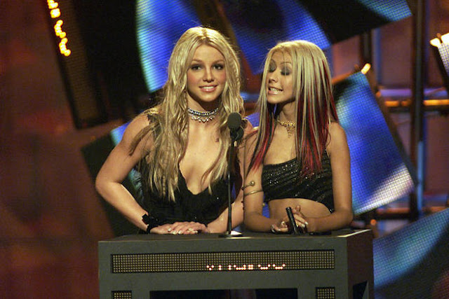 britney spears christina aguilara 2000s mtv music awards