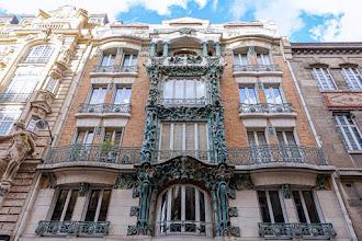Paris : 14 rue d'Abbeville, un immeuble Art Nouveau signé Alexandre et Edouard Autant, une spectaculaire façade en grès flammé oeuvre d'Alexandre Bigot - Xème