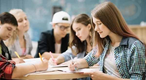 9 Masalah Ini Sering Dialami Mahasiswa Saat Masa Kuliah