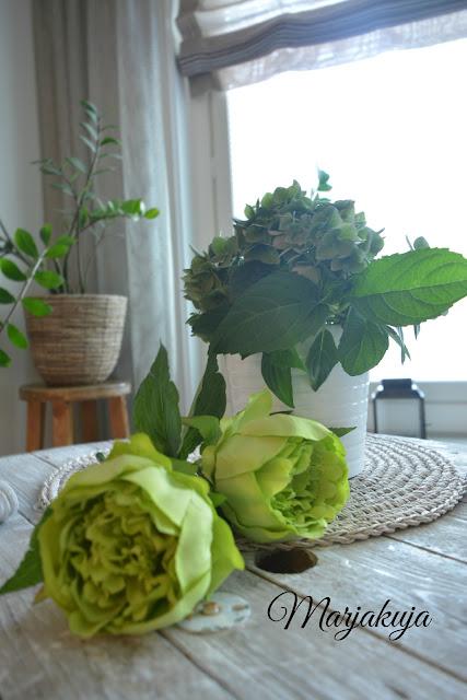 kaapelikelapöytä hortensia pentik