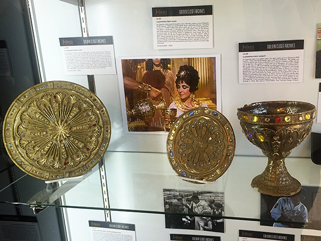 Hollywood Auction Elizabeth Taylor Cleopatra props