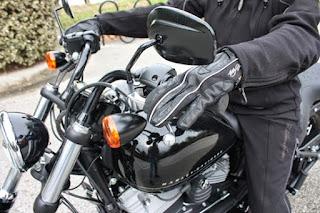 Cara Mudah Mengendarai Motor Koplingan Untuk Pemula