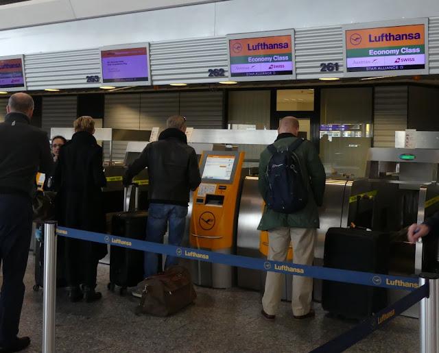 Baggage Drop in Frankfurt, Check-in der Lufthansa