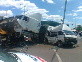 30 crushed to death in fatal accident along Lagos-Ibadan highway