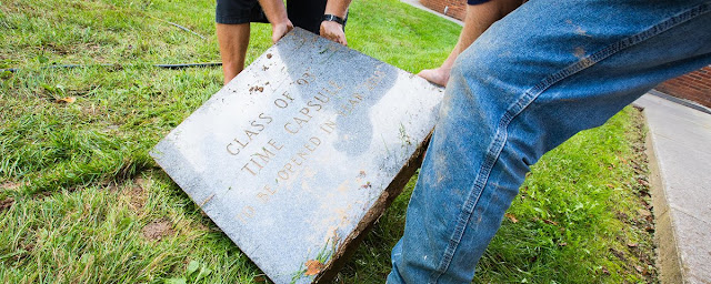 Você adivinha o que havia numa cápsula do tempo enterrada em 1993? - Winew