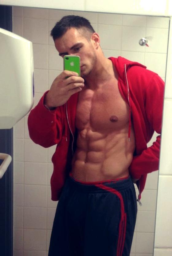 hot-masculine-young-alpha-male-abs-selfie
