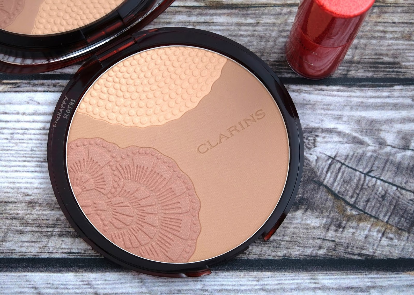 "Clarins | Summer 2019 Collection | Bronzing Compact in ""02 Sunrise Glow"": Review"