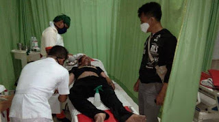 Satu dari dua orang terduga pelaku pencurian yang beraksi dirumah warga di Kelurahan Tempel Rejo Kecamatan Curup Selatan Rejang Lebong tewas setelah tertangkap dan dikeroyok massa.