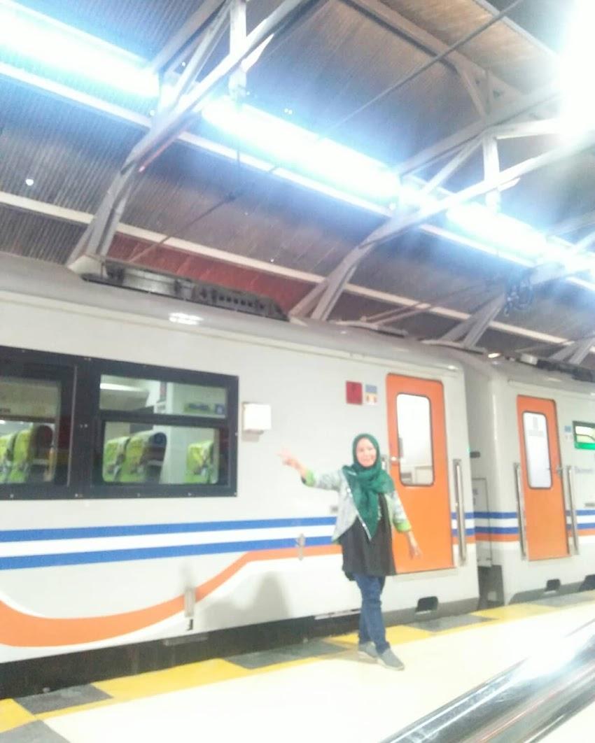 Hobi Naik Kereta