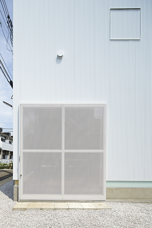 04-A-L-X-Sampei-Junichi-Architecture-Building-that-Envelops-Beauty-www-designstack-co