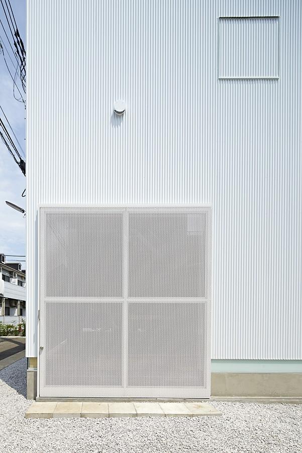 04-A-L-X-Sampei-Junichi-Architecture-Building-that-Envelops-Beauty-www-designstack-co