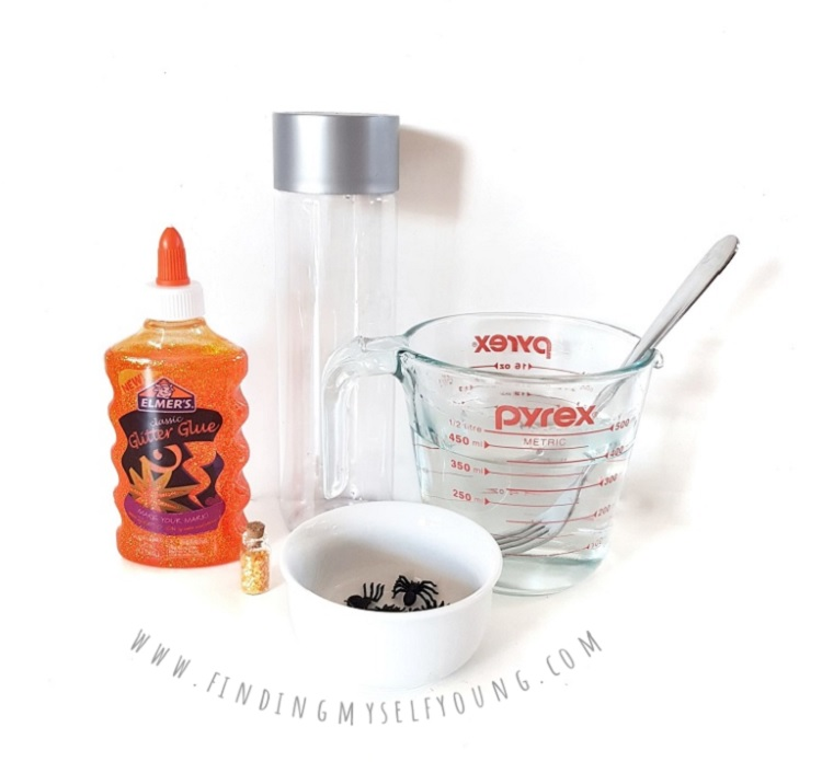 supplies to make a spider sensory bottle