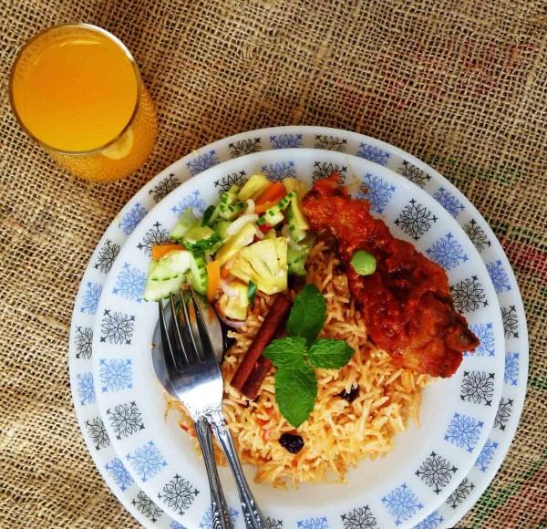 Resep Nasi Tomat Khas Arab dan Ayam Bumbu Merah, Praktis Menggunakan Rice Cooker