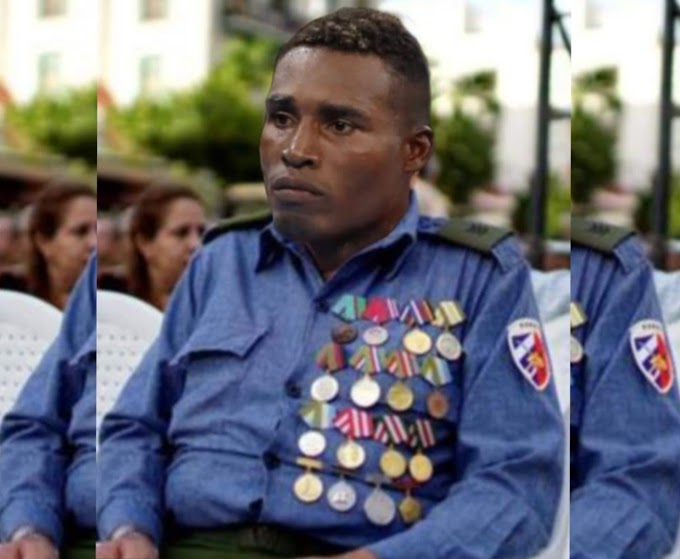 """Julio César la Cruz le muestra todas sus medallas de calamina a """"los infladores en EE.UU"""""""