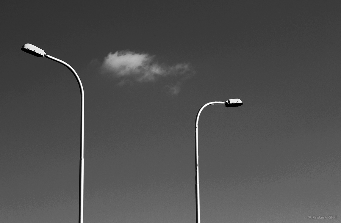 Minimalist photography by prakash ghai the cloud split for Why minimalism