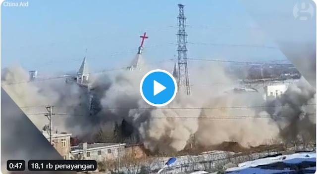 Detik-detik China Hancurkan Gereja Golden Lampstand