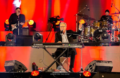 Don Moen Ministering Live At The Experience 14