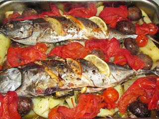 Ton cu ciuperci si sos de ardei copti / Baked peppers  sauce with tuna and mushrooms