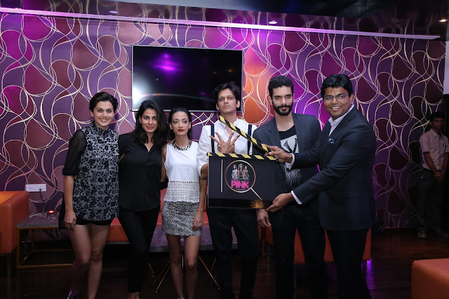 Dinesh Rai, GM with the Star cast of PINK Movie at the opening of IQ The Lounge Bar at Mercure Hyderabad KCP (2)-min