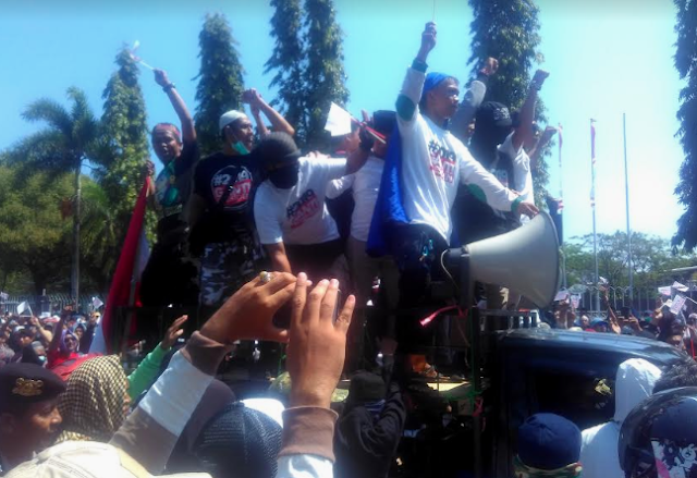 Puluhan Ribu Warga Hadiri Deklarasi #2019GantiPresiden di Makassar