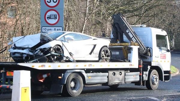 Sergio Romero chocó su Lamborghini Gallardo