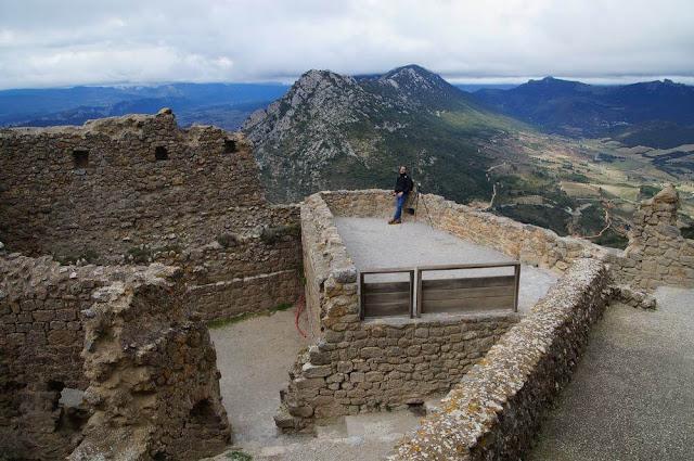 castillo de queribus vistas