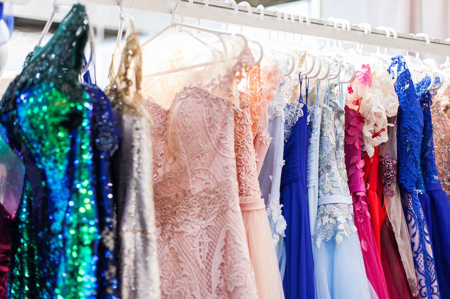 Popular Evening Gowns Perfect to Wear On Special Events