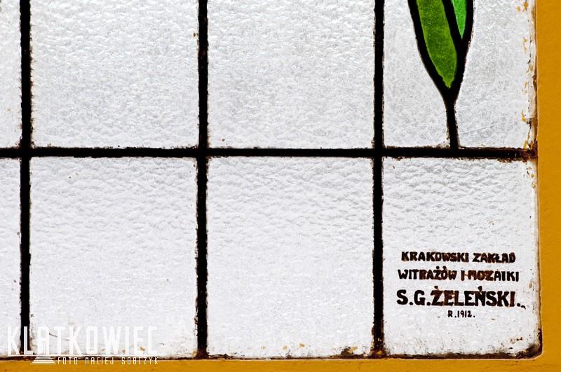 Kraków. Witraż z zakładu Żeleńskiego. Kamienica. Wnętrze. Klatka schodowa.