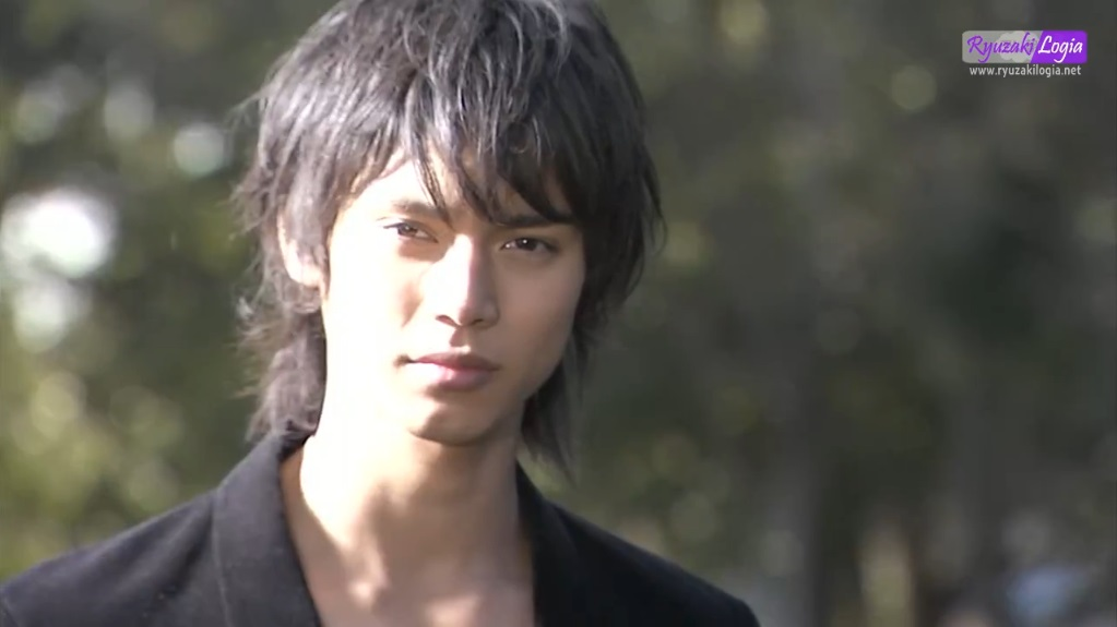 Download Kamen Rider Kabuto Episode 04 Subtitle Indonesia